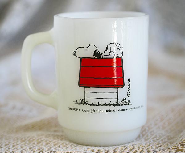 美品! ファイヤーキング マグ スヌーピー モーニングアレルギー ピーナッツ 耐熱 ミルクグラス コーヒー ビンテージ
