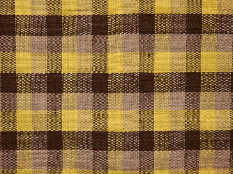 処分超特価・手縫い仕立付・米沢紬・黄金の繭・紅花かさね・格子柄_画像4