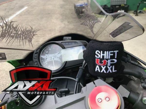 AxxL社 ブレーキリザーバー タンクカバー トライアンフ TRIUMPH DAYTONA 675 デイトナ ストリートトリプル スピードトリプル 675R 1050(1)_画像5