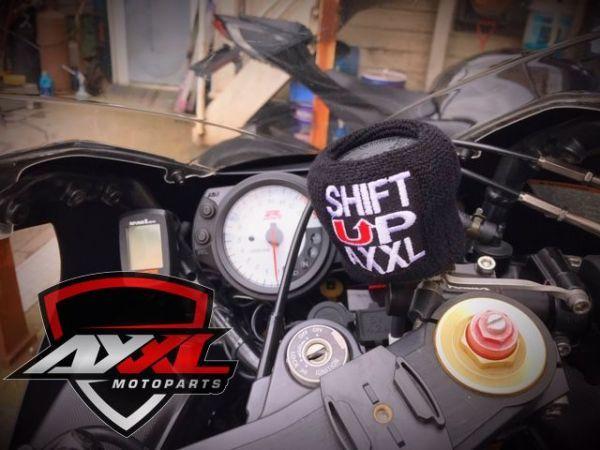 AxxL社 ブレーキリザーバー タンクカバー トライアンフ TRIUMPH DAYTONA 675 デイトナ ストリートトリプル スピードトリプル 675R 1050(1)_画像6