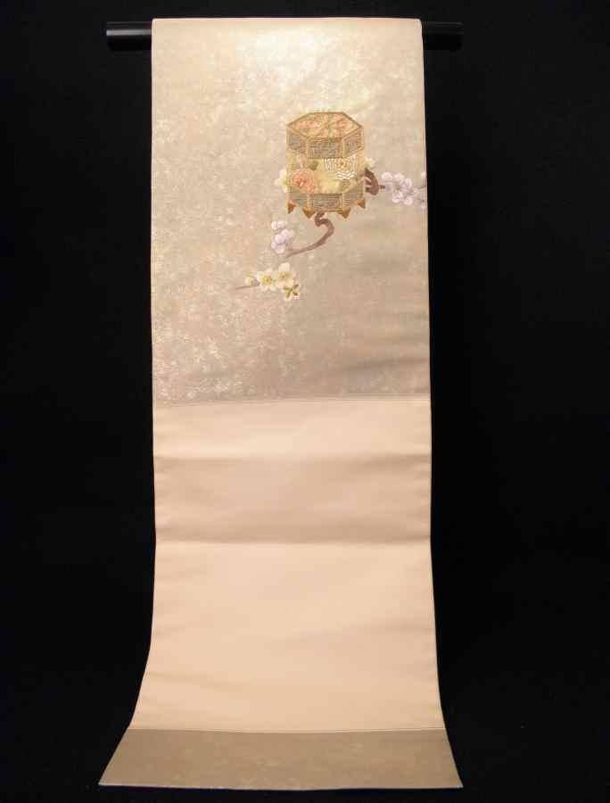 【帯喜楽】タ2-23●九寸名古屋帯●薄ベージュに箔と刺繍の梅に桶_画像10