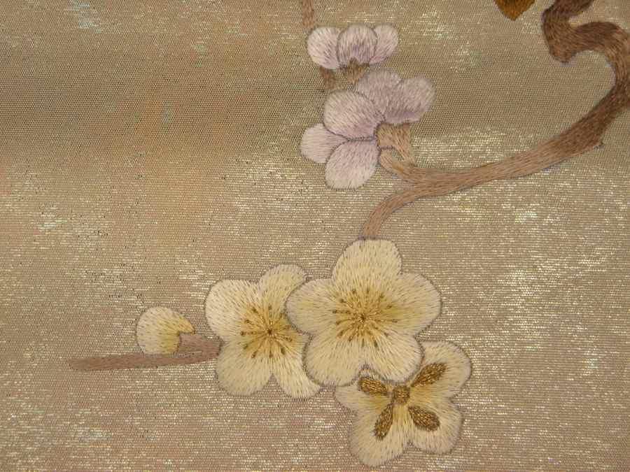 【帯喜楽】タ2-23●九寸名古屋帯●薄ベージュに箔と刺繍の梅に桶_画像7