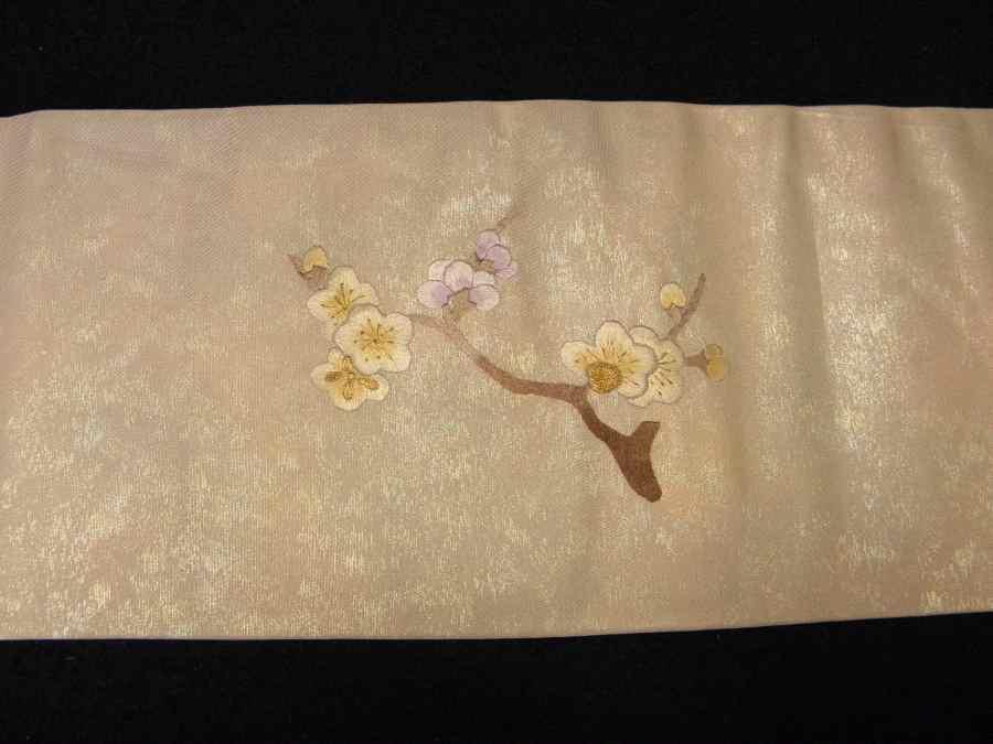 【帯喜楽】タ2-23●九寸名古屋帯●薄ベージュに箔と刺繍の梅に桶_画像9
