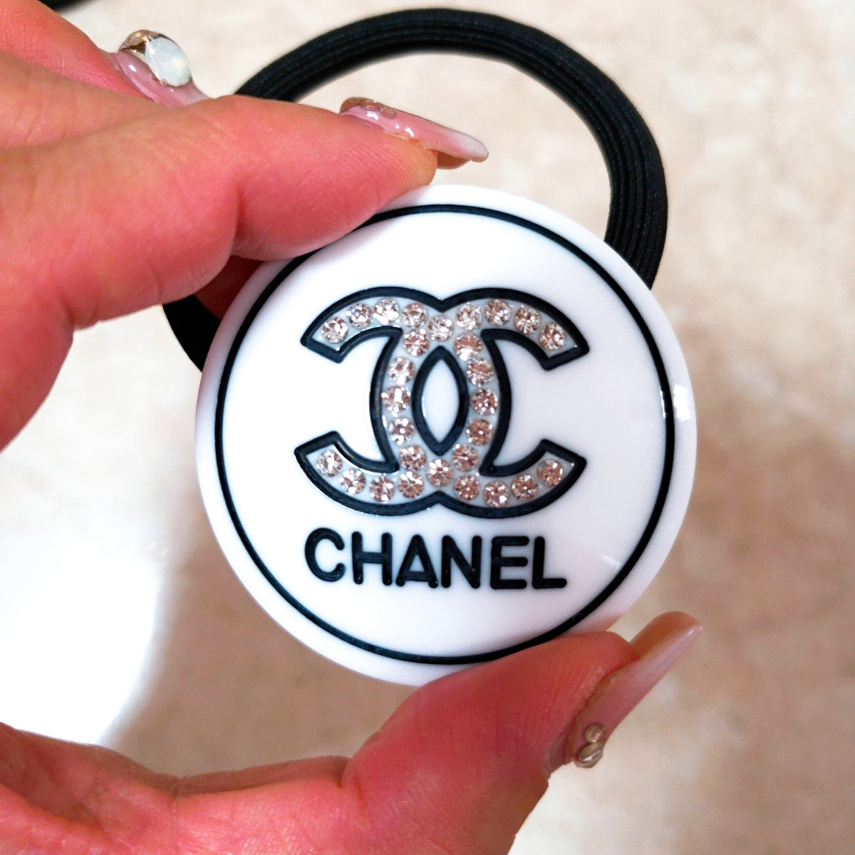 dd8096c69e41 代購代標第一品牌- 樂淘letao - CHANEL シャネルヘアゴムロゴストーン白新品未使用