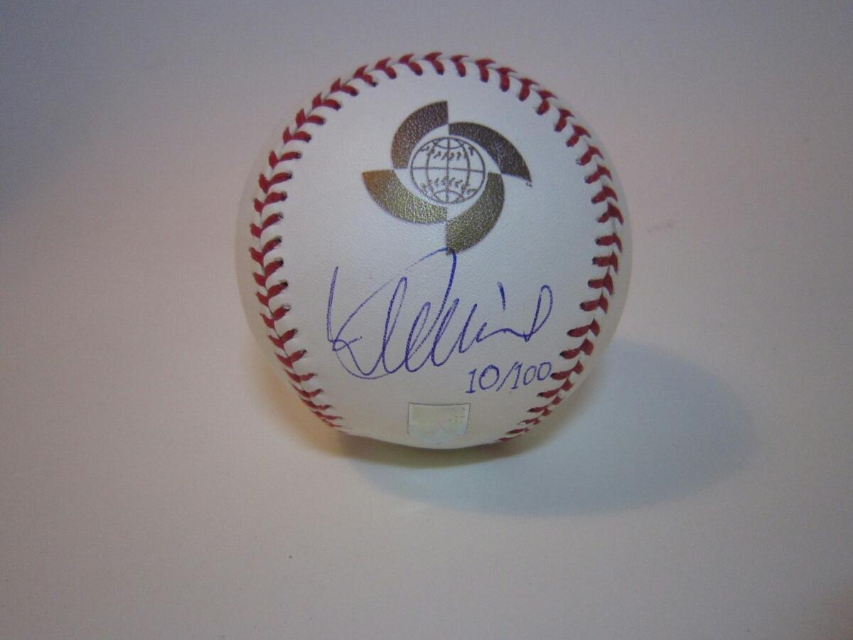 イチロー直筆サイン入り2006年WBCワールドベースボールクラシック公式ボール