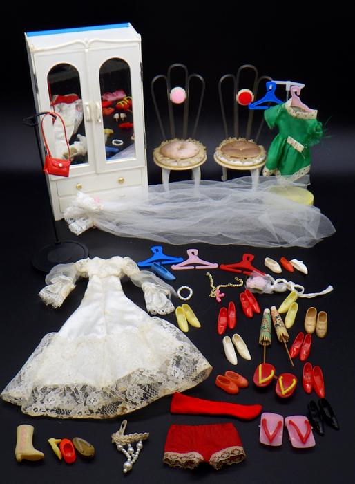 古い リカちゃん等  着せ替え人形の洋服・家具・小物 まとめて(検:中嶋製作所・タカラ