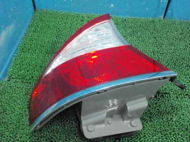 BL5レガシィB4 テールランプ左テールライト301230JJ_画像2
