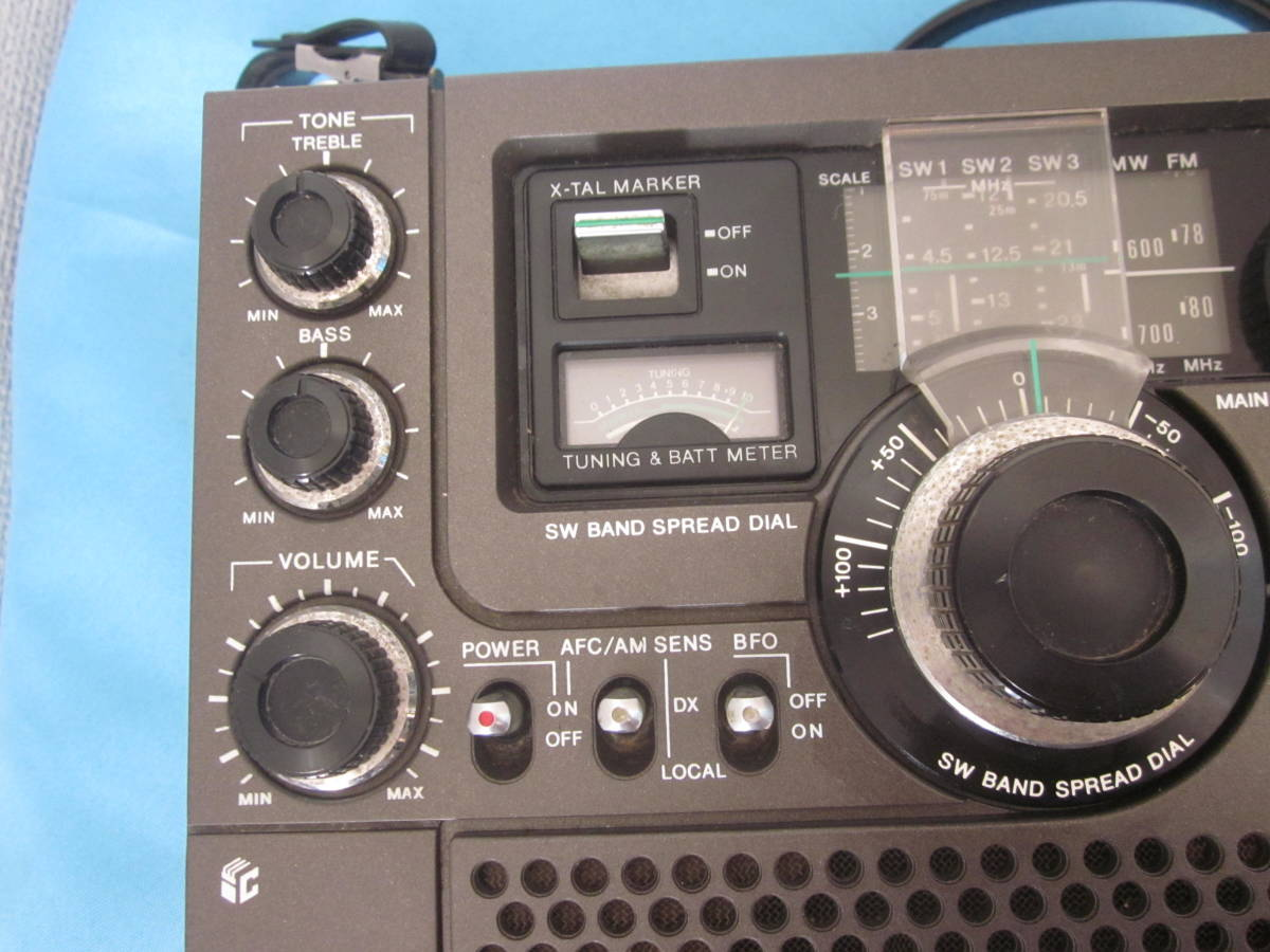 SONY ソニー FM/AMラジオ ICF-5900 スカイセンサー 純正ACアダプター付★FM/AM受信OK、ジャンク_画像3