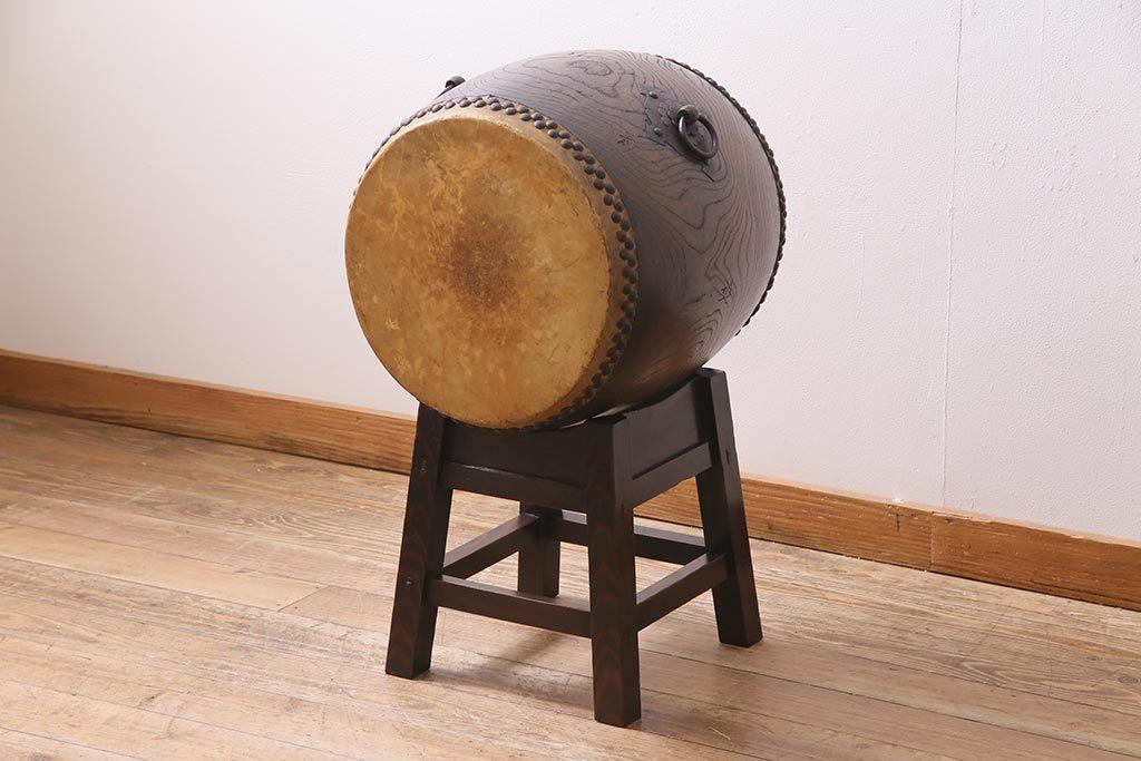 R-044683 明治大正期 欅(ケヤキ)材 古い刳り貫き和太鼓 台付き(くり貫き長胴太鼓、和楽器)(R-044683)_画像1