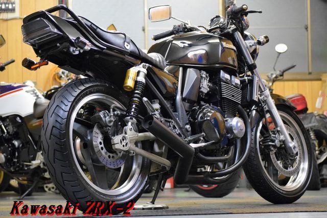 Kawasaki ZRX-2 ZR400E 車検31年8月 MADMAX集合管 川口タックロールシート OHLINSリアサス 整備済 WAKO,Sオイル レスポンス抜群 E/G絶好調_画像4