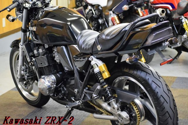 Kawasaki ZRX-2 ZR400E 車検31年8月 MADMAX集合管 川口タックロールシート OHLINSリアサス 整備済 WAKO,Sオイル レスポンス抜群 E/G絶好調_画像10