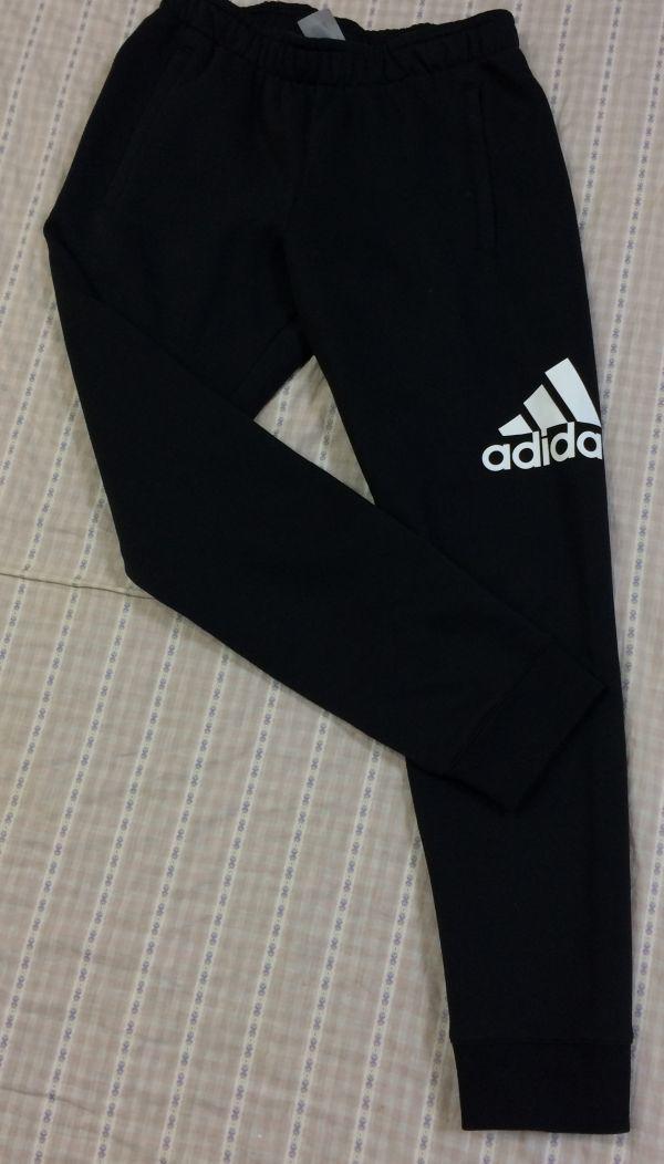 新品 大人気 アディダス Adidas スウェットパーカースウェットパンツ 上下セット 裏起毛 フード付き 黒 ブラック サイズO_画像4