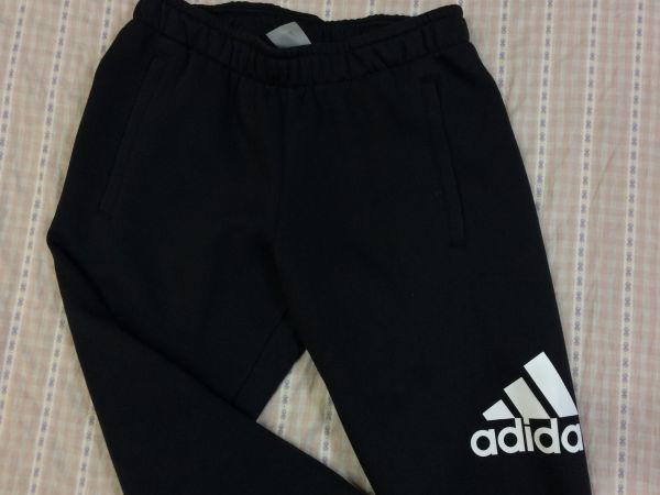 新品 大人気 アディダス Adidas スウェットパーカースウェットパンツ 上下セット 裏起毛 フード付き 黒 ブラック サイズO_画像5