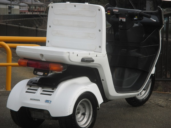 4スト TA03-111XXXX番台 ジャイロキャノピー ドライブベルト、ウエイトローラー、エンジンオイル新品交換済み_画像4