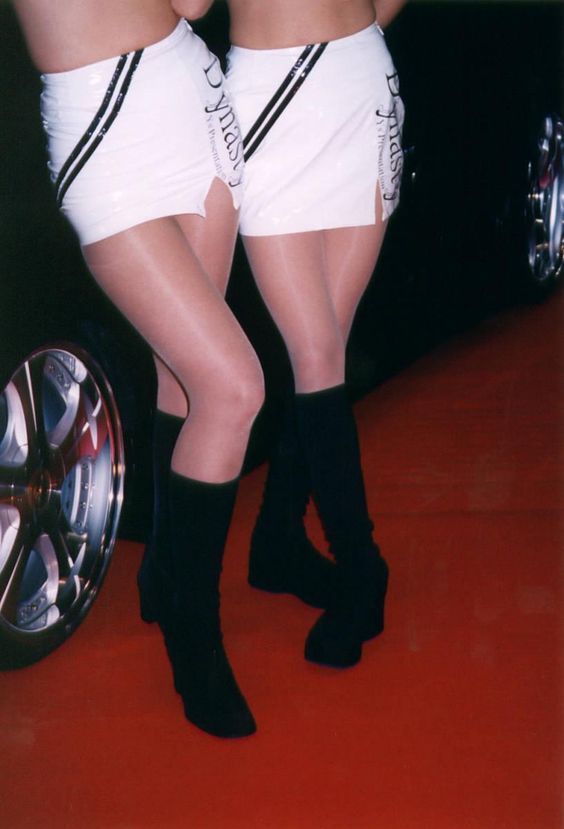 ミニスカ パンスト 黒パンストで防寒してるミニスカJKを街撮りした脚フェチ盗撮エロ画像