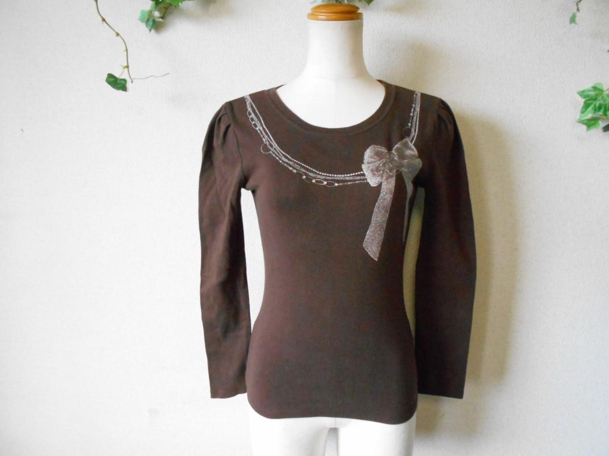 レストローズ LEST ROSE ライン ストーン 使用 リボン プリント の 可愛い 長袖 Tシャツ カットソー 2_画像1