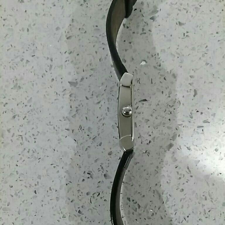 EMPORIO ARMANI アルマーニ メンズ 時計 スクエア 革ベルト黒色 電池交換必要 ベルト幅2cm 美品_画像10