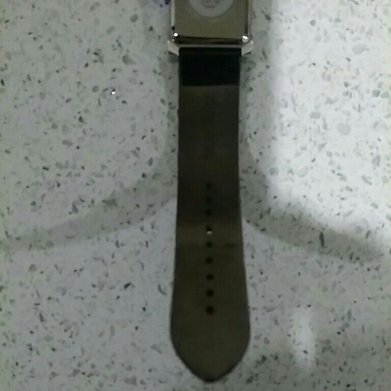 EMPORIO ARMANI アルマーニ メンズ 時計 スクエア 革ベルト黒色 電池交換必要 ベルト幅2cm 美品_画像7