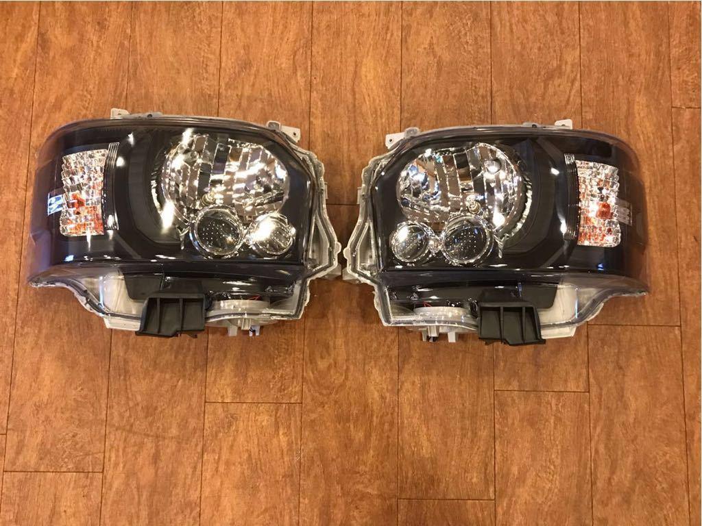 ハイエース 200系 4型仕様 LEDブラックヘッドライト 新品 1型 2型 3型にも