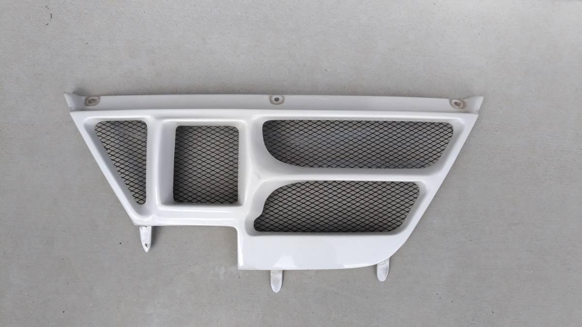 【中古】ダイハツ コペンCOPEN LA880 Jモード J-mode フロントグリル タイプ2 ホワイト塗装品(カラー№056)