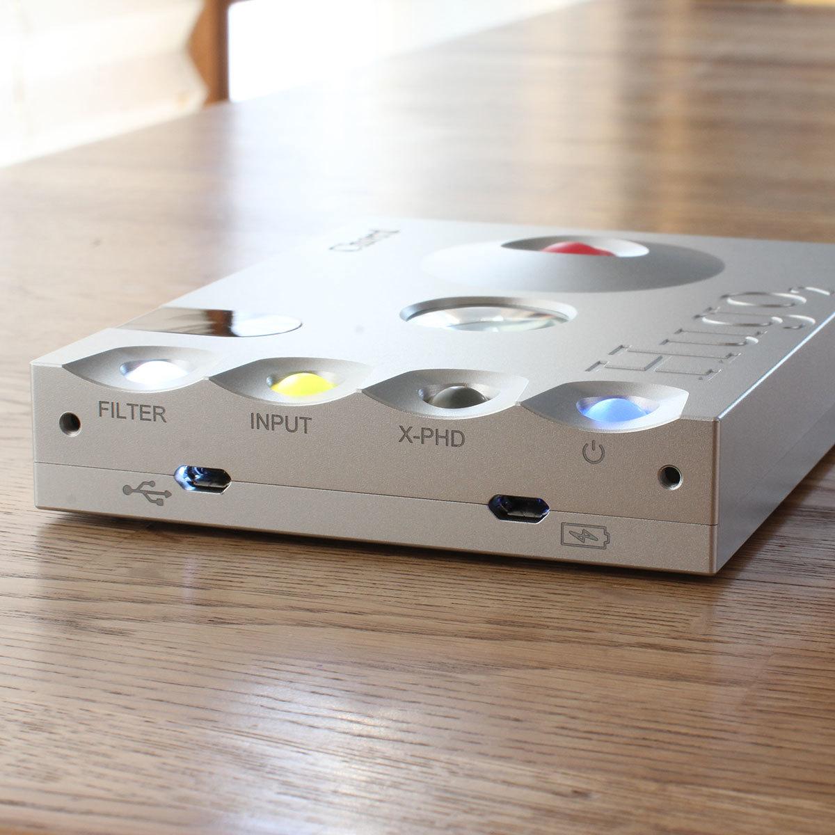 CHORD Hugo2 ヘッドホンアンプ ポータブルアンプ DAC 【美品】【送料無料】【 おまけ付き】_画像3