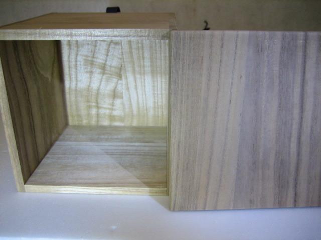 835 空箱 桐箱 木箱 香炉  花入 茶碗用 二方桟 紐付 内寸 深さ15.2cm 14.2cm×14.2cm_画像4