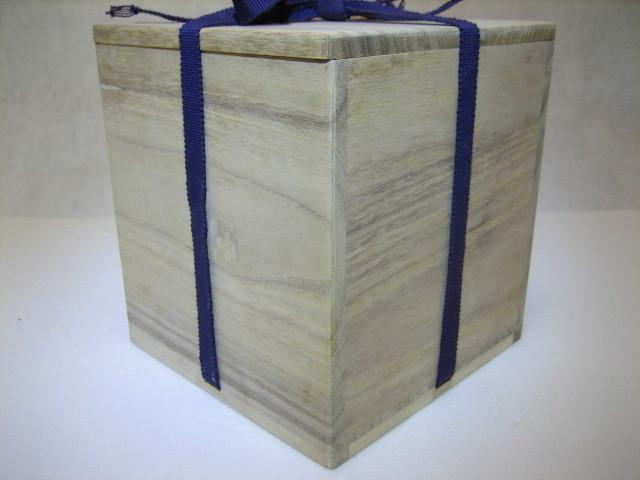 835 空箱 桐箱 木箱 香炉  花入 茶碗用 二方桟 紐付 内寸 深さ15.2cm 14.2cm×14.2cm_画像3