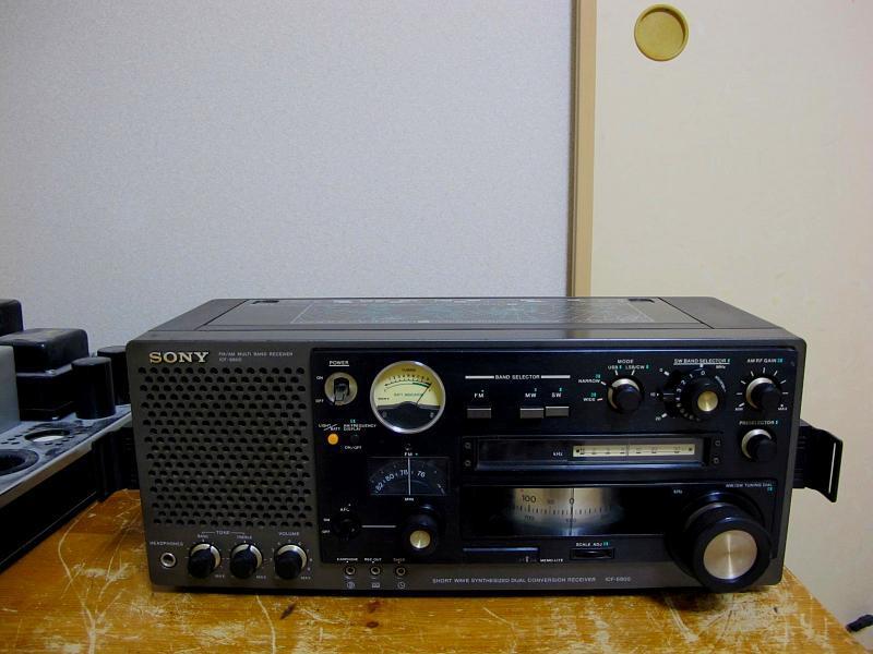 ソニー.AM/FM/SWラジオ、ICF-6800です