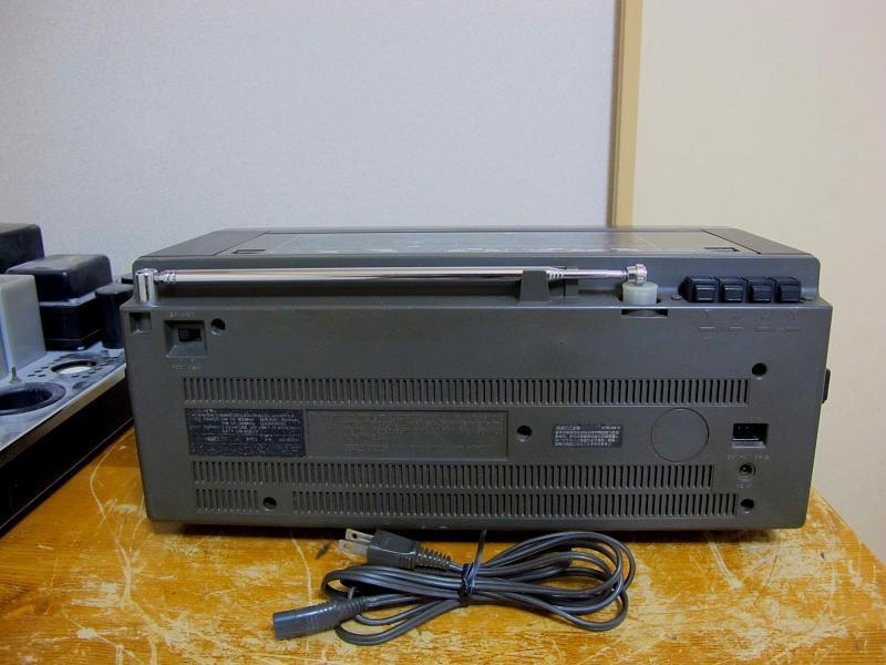 ソニー.AM/FM/SWラジオ、ICF-6800です_画像2