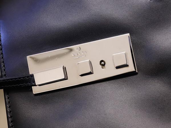 美品 グッチ GUCCI 幻 TOMFORD期 スクエアSVロック鍵付きマスターカーフレザー三層メンズ書類ビジネスバッグ 黒 ブラック 本物 正規_画像6