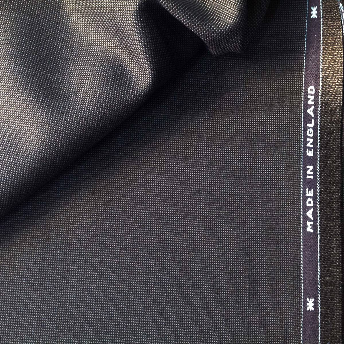 【服地】 スキャバル 紺系 織ネーム付 重さ1020g 3.2m 毛100%イギリス製  0123-3_画像2