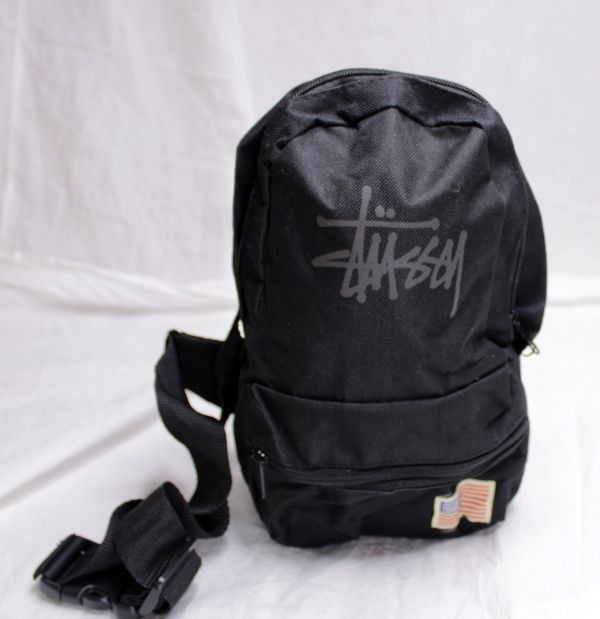 8ec10ee375e9 代購代標第一品牌- 樂淘letao - USED ステューシーナイロンクロスボディバッグ黒STUSSY