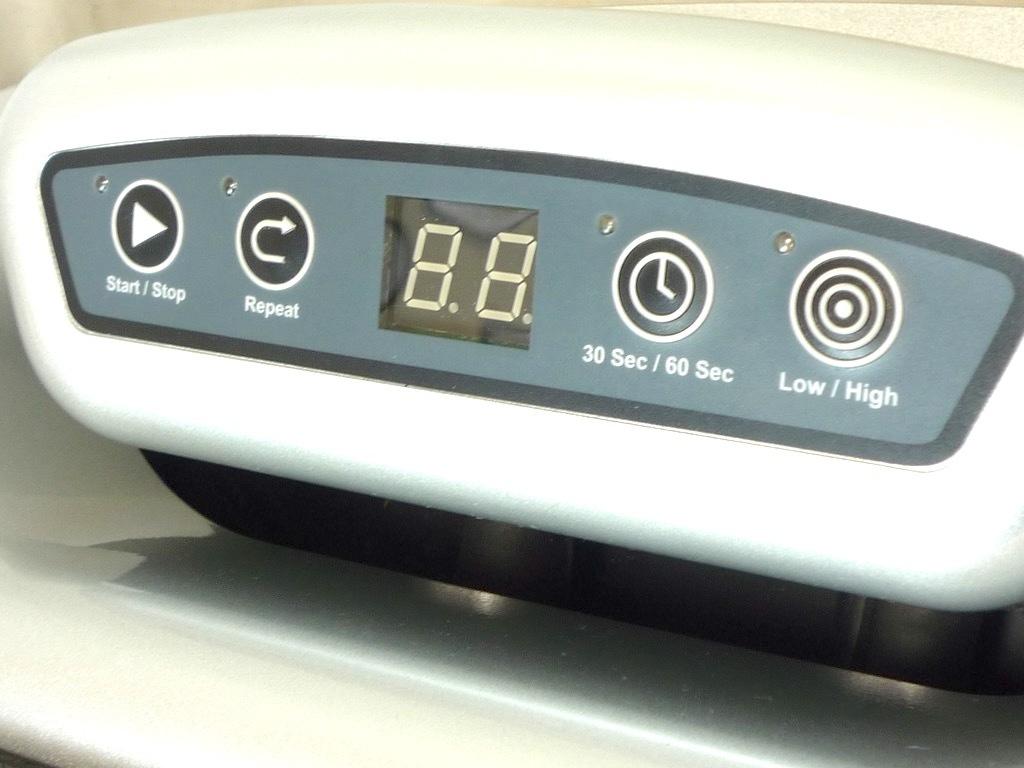 パーソナルパワープレート Personal Power Plate シルバー トレーニング ストレッチ マッサージ 取説バッグ 3次元ハーモニック振動 2回使用_画像4
