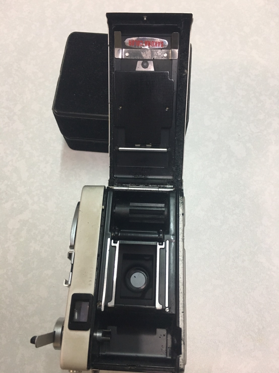 コニカ KONICA C35 フィルム カメラ レンジファインダー HEXANON f=38mm 1:2.8 コンパクト レトロ コレクション 動作未確認のためジャンク_画像9