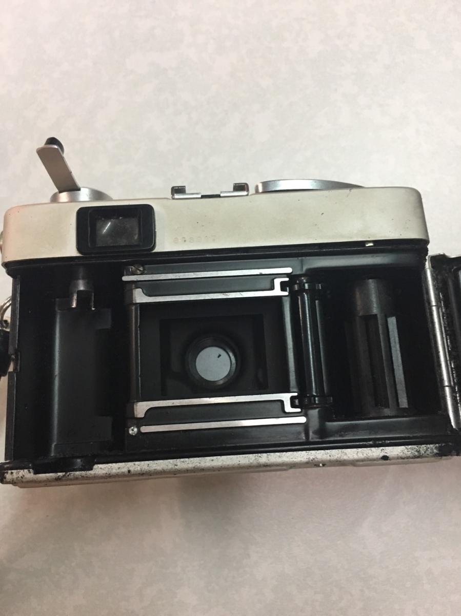 コニカ KONICA C35 フィルム カメラ レンジファインダー HEXANON f=38mm 1:2.8 コンパクト レトロ コレクション 動作未確認のためジャンク_画像10