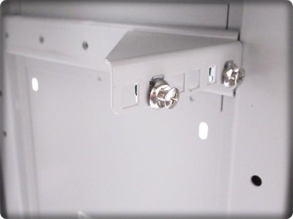 ◆大特価品◆ 簡易使用 傷が少ない絶品 サンワサプライ 【1U規格】 サーバーラック LANハブラック PCケースにも 鍵2本付属 定価5万円を格安_画像8
