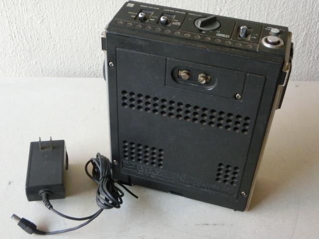 SONYソニー 3バンド スカイセンサー ラジオ ICF-5500 ACアダプター付(AC-110) ジャンク_画像2