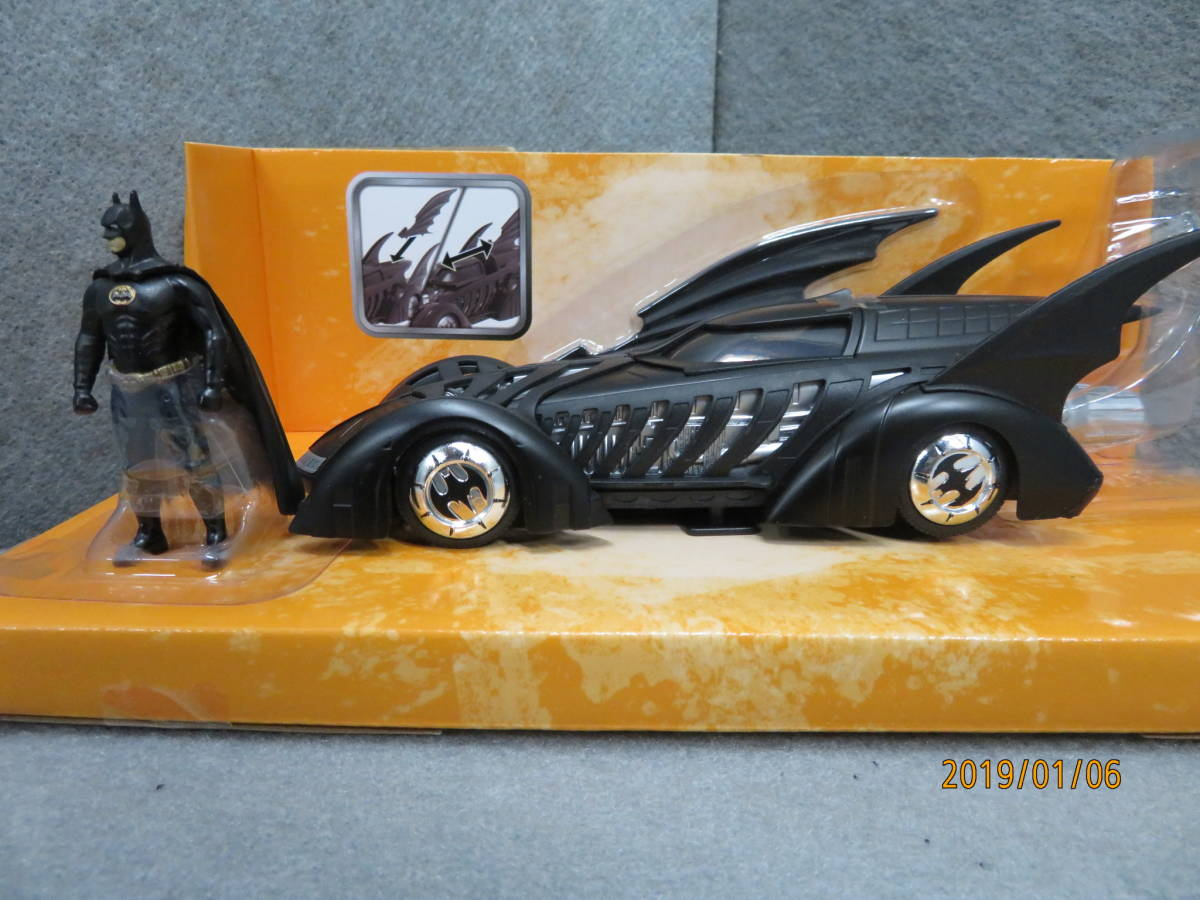 JADA 1/24 1995y Batmobile Batman Forever with Figure 98036_画像2