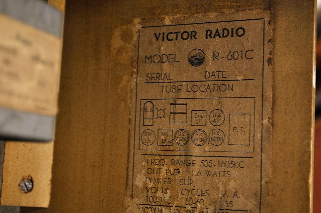 t620 ビクター 真空管 ラジオ VICTOR STANDARD BROADCAST 不動 ジャンク品 _画像9
