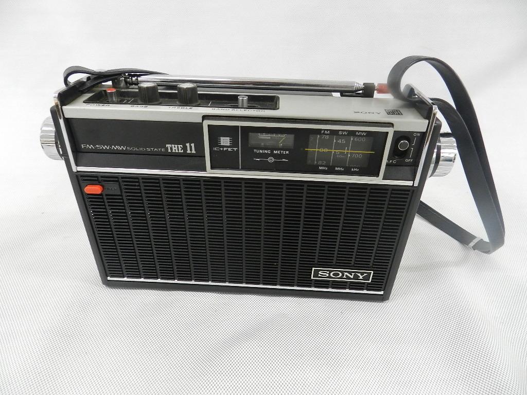T08-0112 SONY ソニー ソリッドステート 3バンドラジオ THE11 ICF-1100 FM/MW/SW ジャンク品_画像2