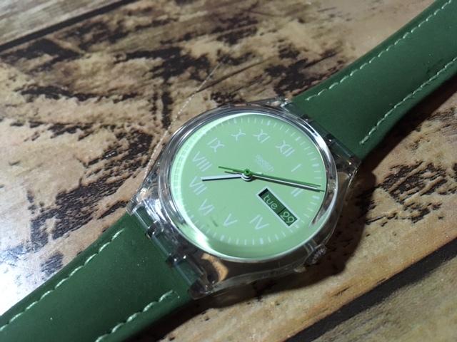 K128 良品 ケース付 稀少 レア ヴィンテージ swatch/スウォッチ SWISS MOOS GK724 AG1997 デイデイト クオーツ メンズ ボーイズ 腕時計_画像7