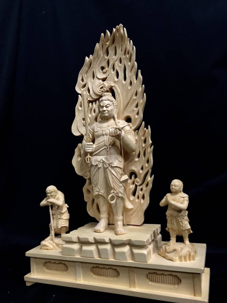大型高59cm 新作 総檜材製 名人作 極上彫 木彫作品 仏教美術 不動明王三尊立像_画像2
