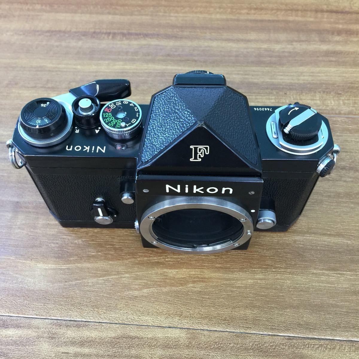 返品不可Nikon ニコン F ブラック black + Nikon F EYE-LEVEL Finder ファインダー#20349シャッターOK、ファインダーが汚れで、ジャンク品