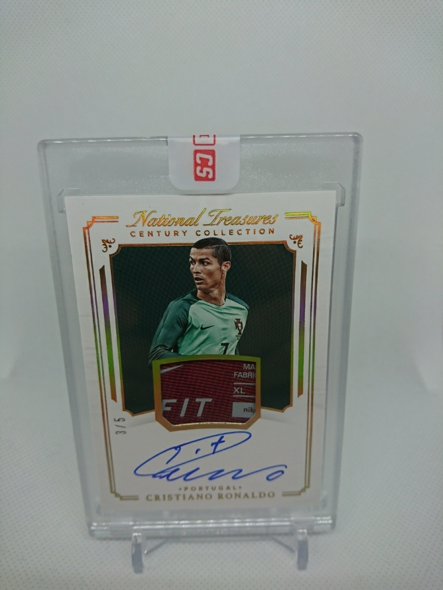 2018 Panini National Treasures Cristiano Ronaldo Century Collection gold Patch Auto 3/5 CR7 Portugal 直書き 直筆 #immaculate