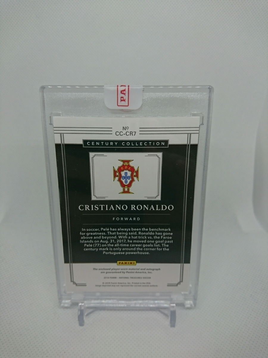 2018 Panini National Treasures Cristiano Ronaldo Century Collection gold Patch Auto 3/5 CR7 Portugal 直書き 直筆 #immaculate_画像2