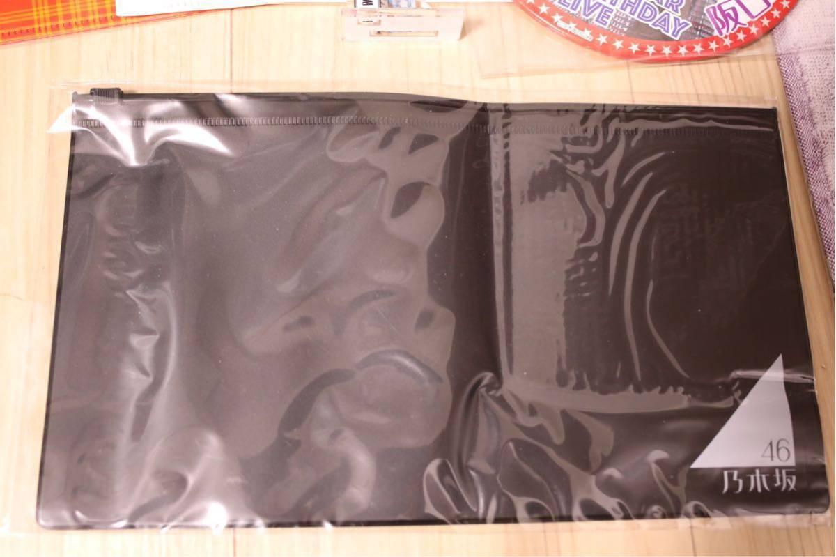 乃木坂46 グッズセット 初期リストバンド 真夏の全国ツアー 2013 3期生 デカ缶バッジ ミニタオル クリアファイル ポーチ バスラ など_画像4