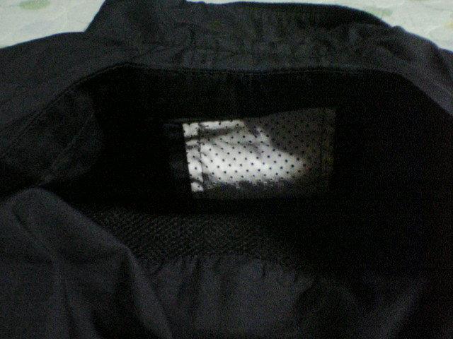 【NIKE】ナイキ ジュニア用ウインドブレーカー風ジャンパー上着 140サイズ 黒×白★子供用 薄手生地_画像5