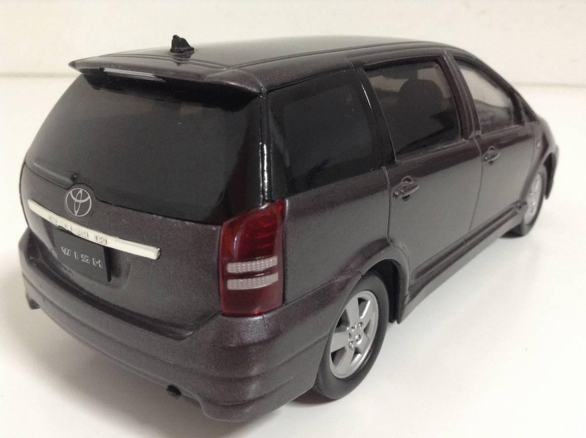 トヨタ 初代 ウィッシュ10 2.0G 1.8X Sパッケージ 前期型 2003年式~ 1/24 約19cm カラーサンプル 色見本 ミニカー 非売品 灰M 送料¥500_中古品ですスレキズ欠損があります