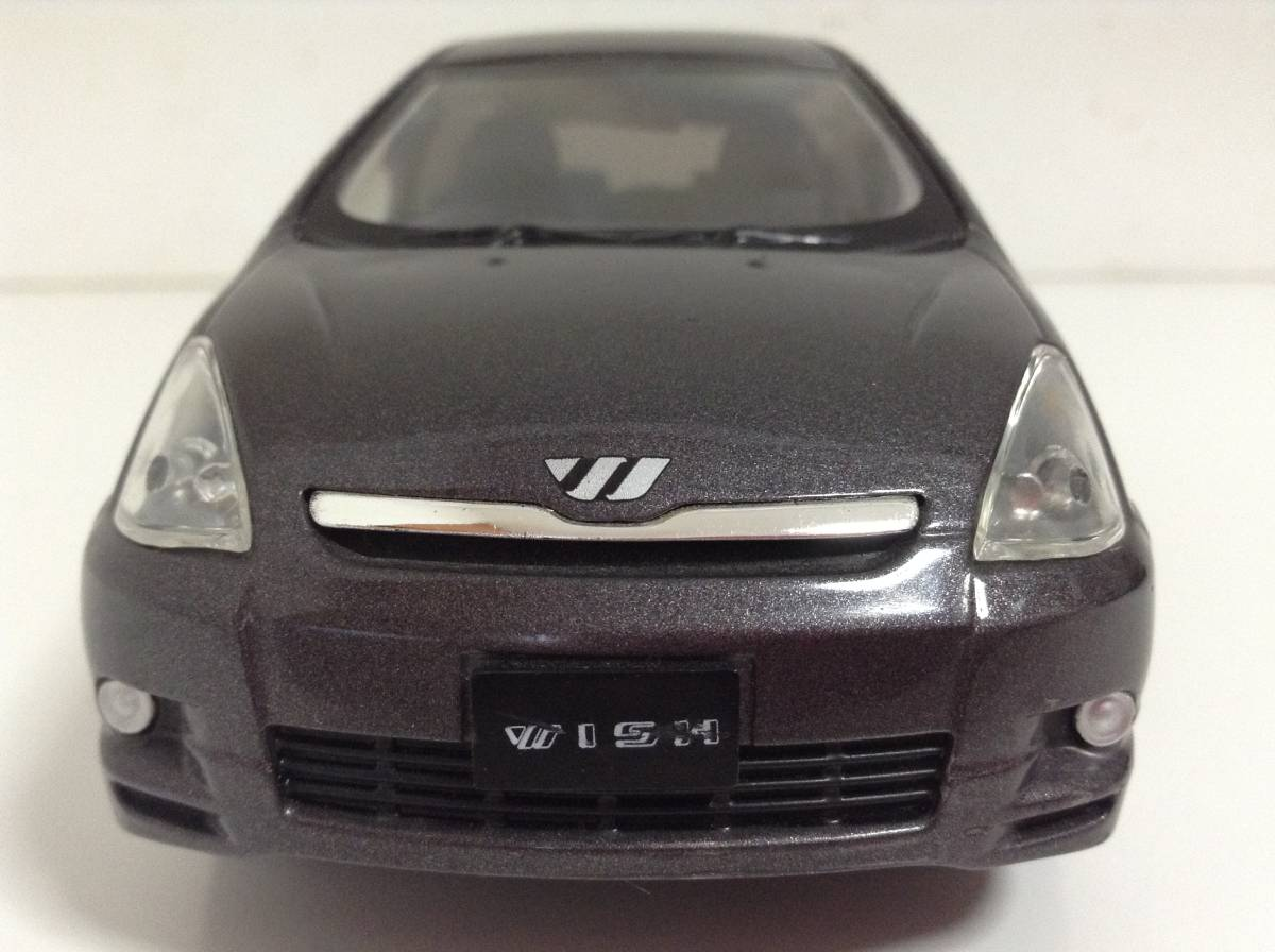 トヨタ 初代 ウィッシュ10 2.0G 1.8X Sパッケージ 前期型 2003年式~ 1/24 約19cm カラーサンプル 色見本 ミニカー 非売品 灰M 送料¥500_画像3