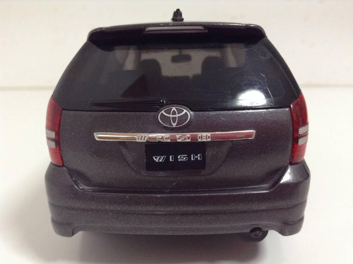 トヨタ 初代 ウィッシュ10 2.0G 1.8X Sパッケージ 前期型 2003年式~ 1/24 約19cm カラーサンプル 色見本 ミニカー 非売品 灰M 送料¥500_画像4
